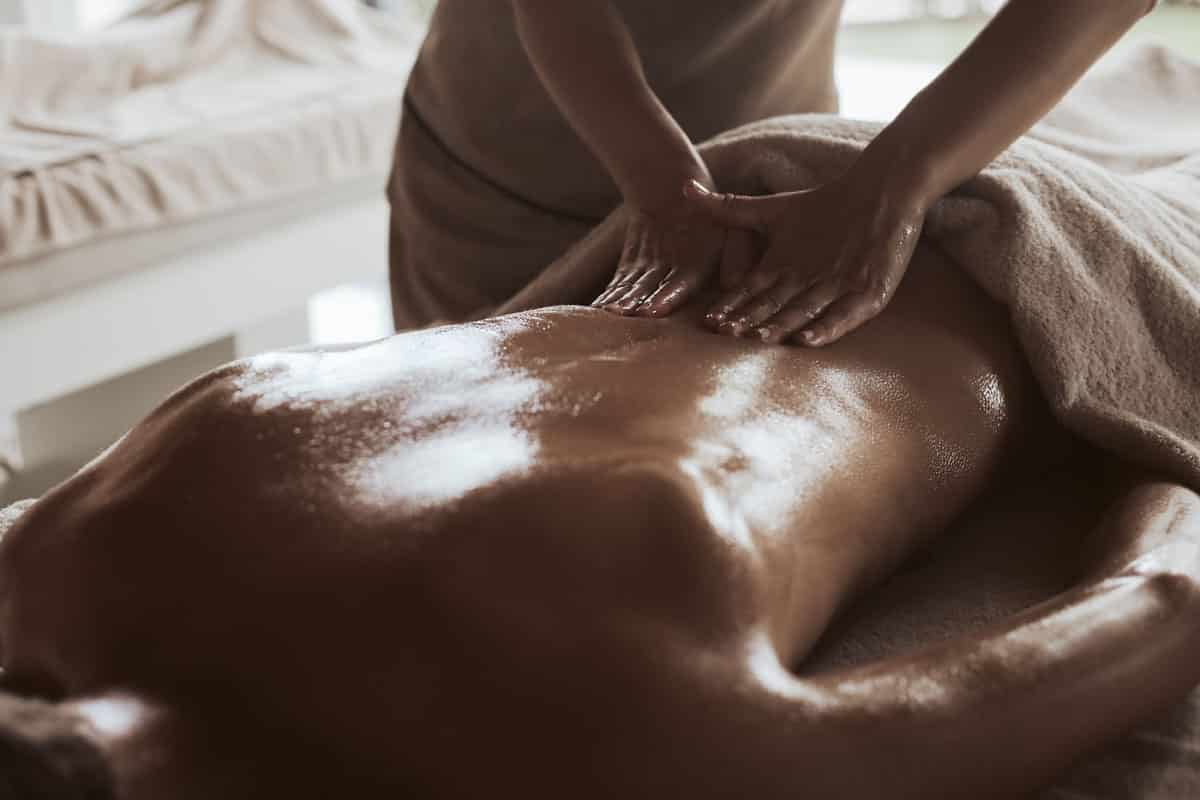 9 Benefits of Therapeutic Massage